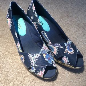 Lovely Floral Chaps Wedges